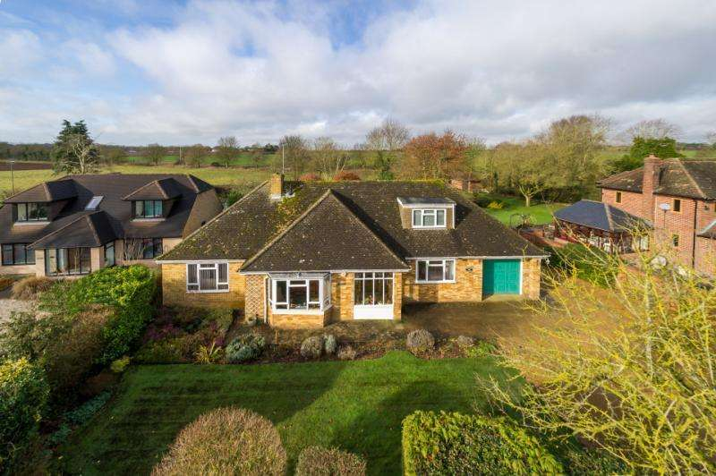 3 Bedrooms Detached House for sale in Montreux, Henwood, Wootton, Boars Hill, Oxford