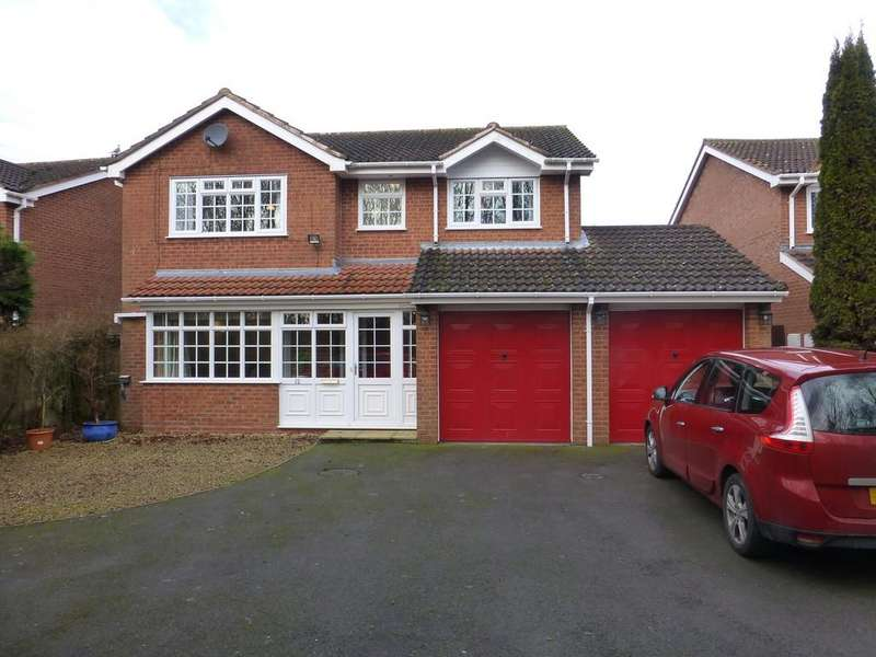 4 Bedrooms Detached House for sale in Longstone Close, Shirley