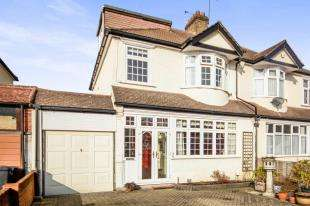 4 Bedrooms House for sale in Norman Avenue, Sanderstead, South Croydon, .