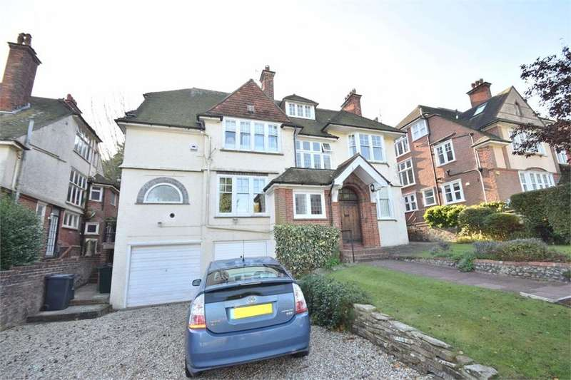 2 Bedrooms Flat for sale in Edensor Road, Meads, East Sussex