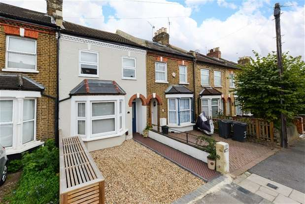 3 Bedrooms Terraced House for sale in Raleigh Road, Penge