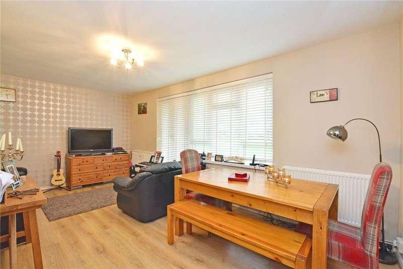 2 Bedrooms Flat for sale in Prendergast Road, Blackheath, London, SE3