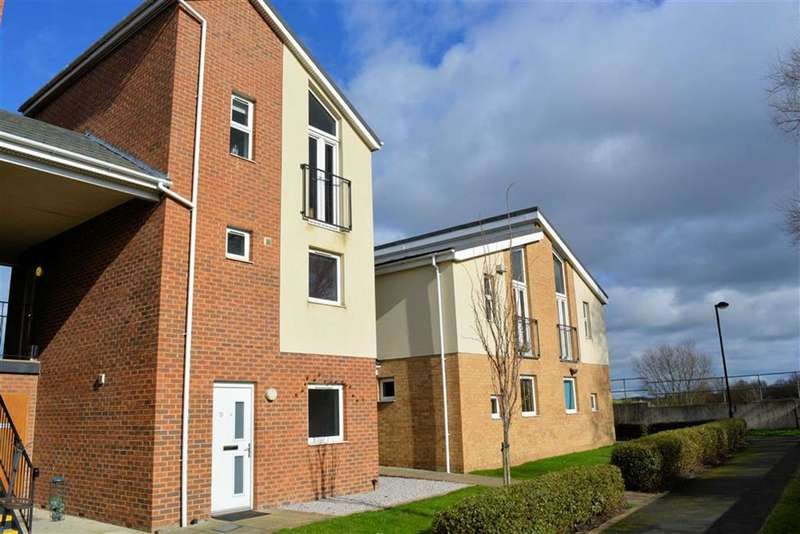 2 Bedrooms Flat for sale in Clogmill Gardens, Selby, YO8