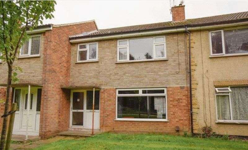 3 Bedrooms Terraced House for sale in Rochester Close, Scunthorpe