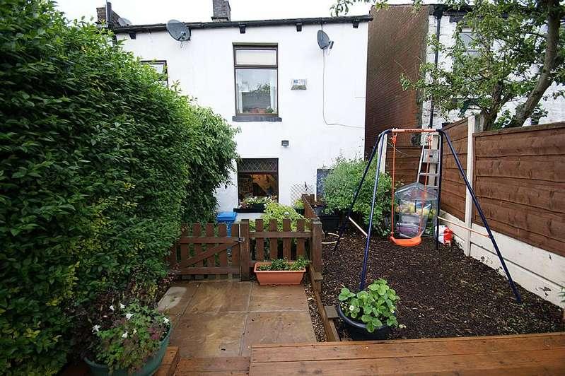 2 Bedrooms End Of Terrace House for sale in Princess Street, Lees OL4