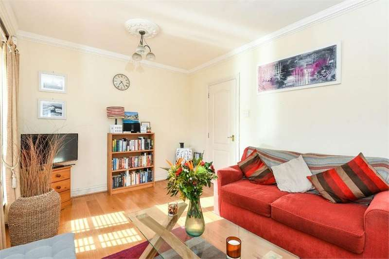 2 Bedrooms Flat for sale in Trocette Mansions, London Bridge, SE1