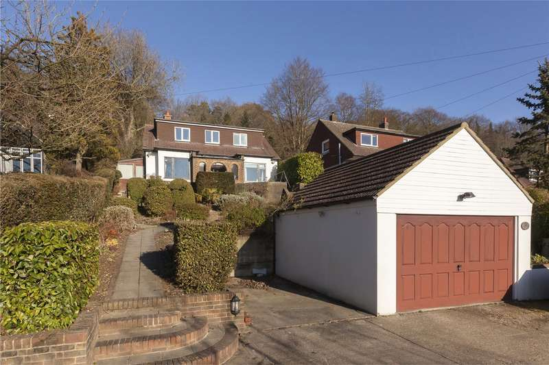4 Bedrooms Detached House for sale in Stuart Road, Warlingham, Surrey