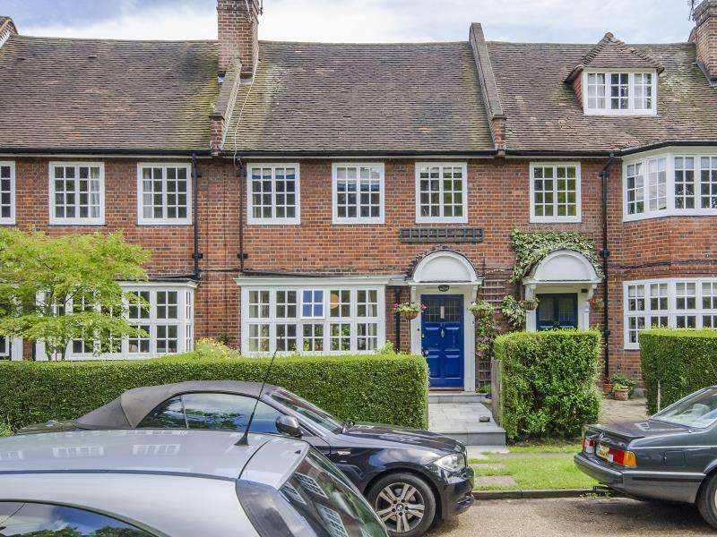 4 Bedrooms Terraced House for sale in Cranmore Way, N10
