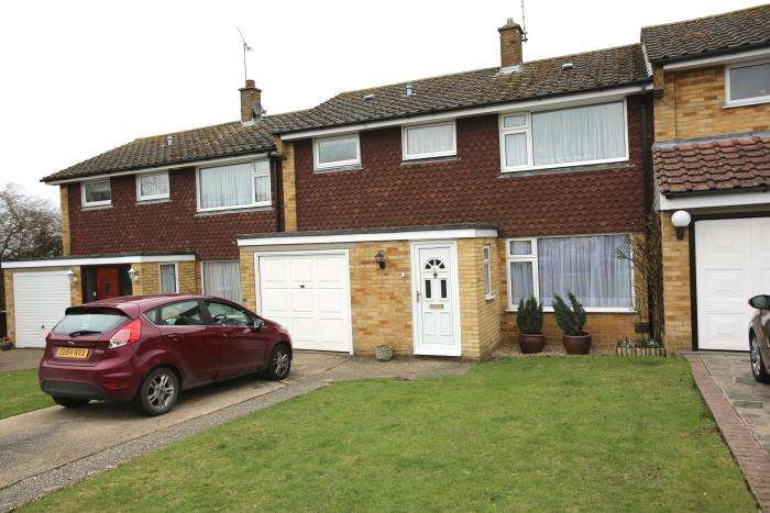 3 Bedrooms Terraced House for sale in WOODLAND WAY, MARDEN ASH, ONGAR, ONGAR CM5