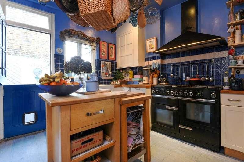 4 Bedrooms Terraced House for sale in Azof Street Greenwich SE10