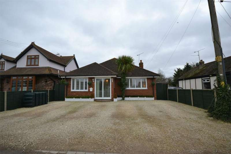 3 Bedrooms Detached Bungalow for sale in Mountview Crescent, St Lawrence, Southminster, Essex