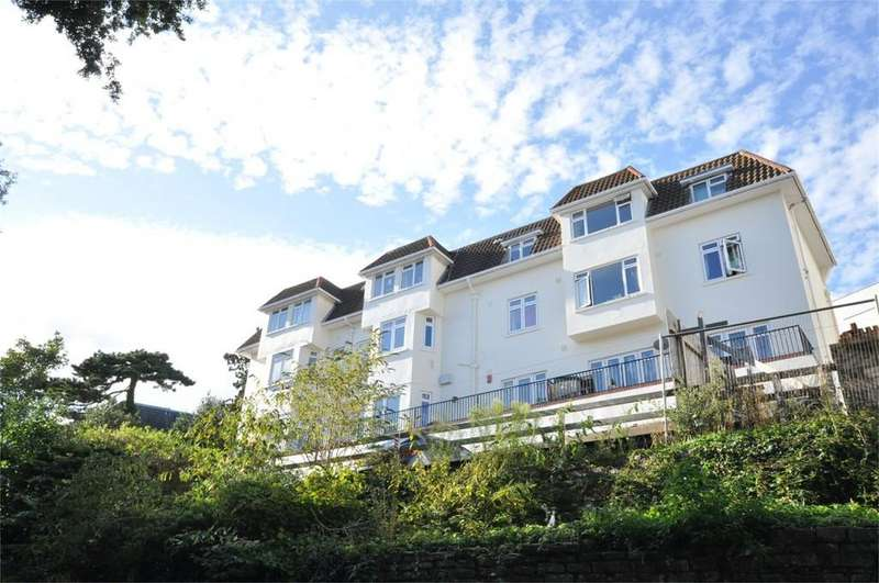 2 Bedrooms Apartment Flat for sale in Carlton Mount, 2 Cranbourne Road, BOURNEMOUTH