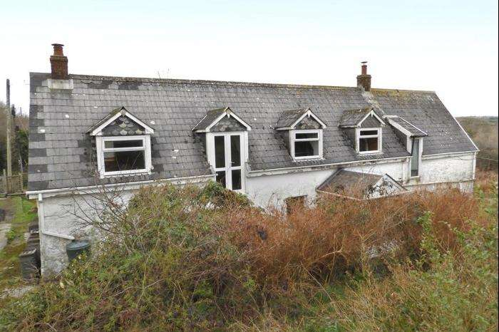 3 Bedrooms Cottage House for sale in HIGHER TRENEAR FARM, TRENEAR, TR13
