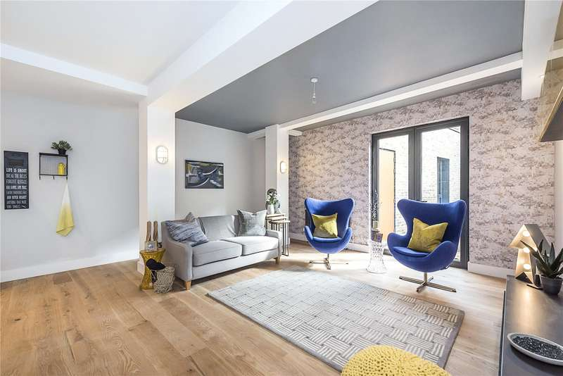 2 Bedrooms Flat for sale in Stoke Newington High Road, Wilmer Place, London, N16