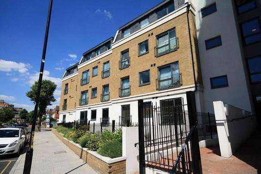 2 Bedrooms Flat for sale in Lovelace House, 96-122 Uxbridge Road, Ealing