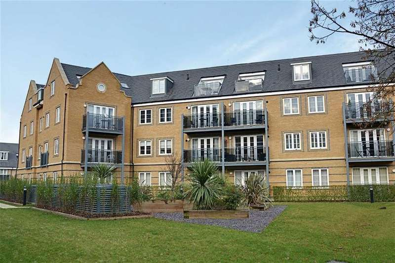 2 Bedrooms Flat for sale in Constables Way, Hertford, Herts, SG13