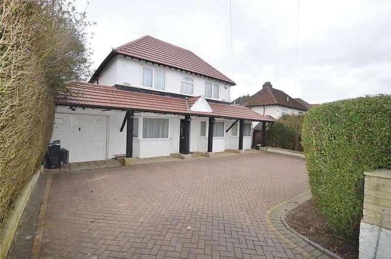 5 Bedrooms Detached House for sale in Oakwood Road, Bricket Wood, St. Albans, Hertfordshire, AL2
