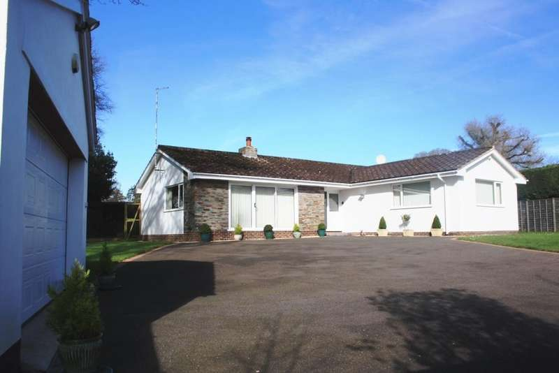 5 Bedrooms Detached Bungalow for sale in West Hill
