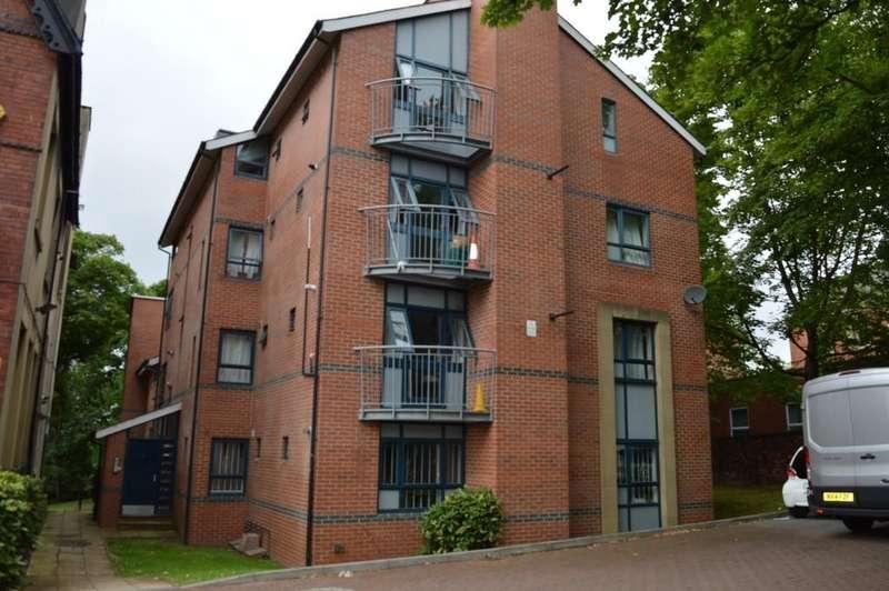 3 Bedrooms Apartment Flat for rent in Clarendon Road, Leeds