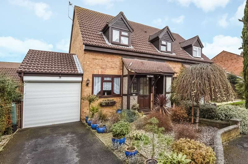 2 Bedrooms Semi Detached House for sale in Hersham