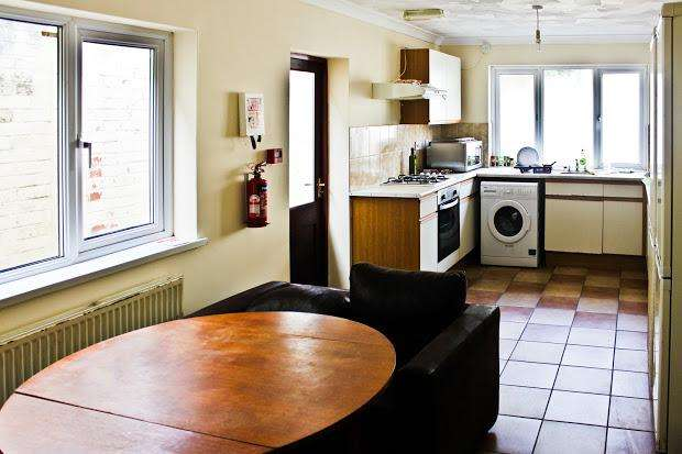 7 Bedrooms Terraced House for rent in Russell Street, Cathays, Cardiff, CF24