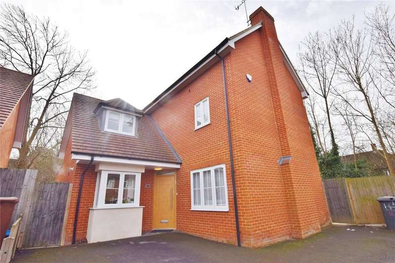 5 Bedrooms Detached House for sale in Harcourt Road, Bushey, Hertfordshire, WD23