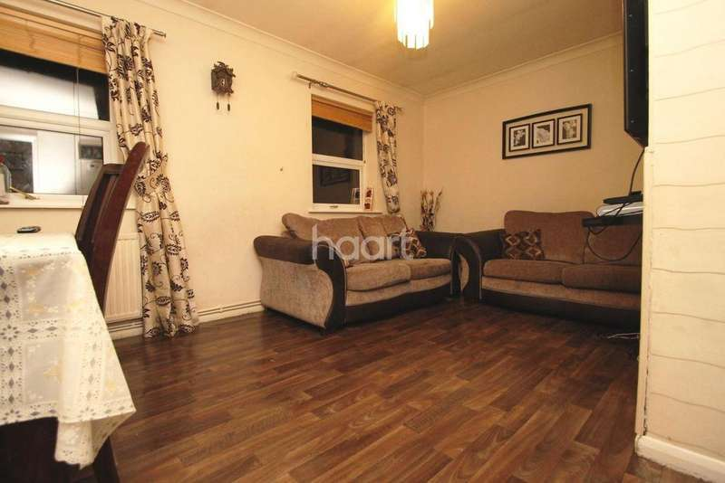 2 Bedrooms Maisonette Flat for sale in Thirlmere Avenue