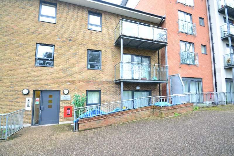 3 Bedrooms Flat for sale in Kingswood Court SE13