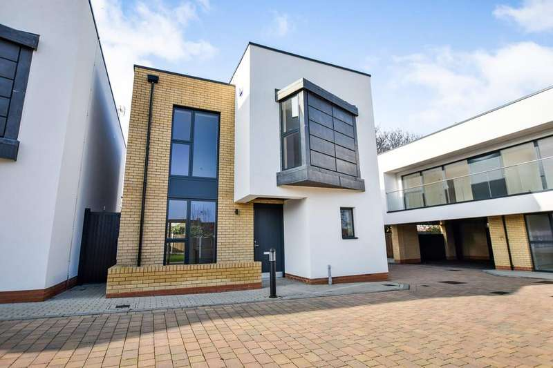 4 Bedrooms Detached House for sale in 2 Highline, 1 Green Court, Leigh On Sea, Essex