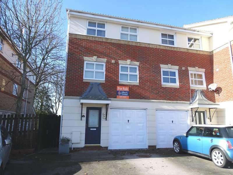 3 Bedrooms Town House for sale in 10 Harvester Close, Chichester