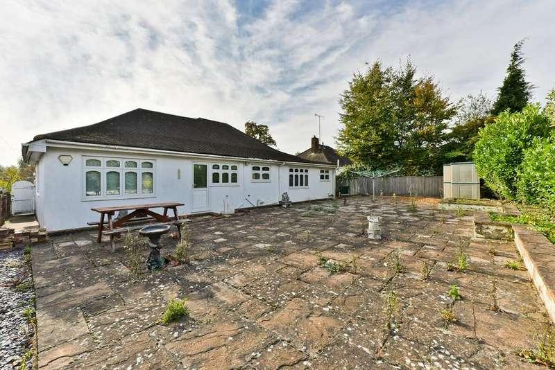 2 Bedrooms Detached Bungalow for sale in Hurst Road, Bexley DA5