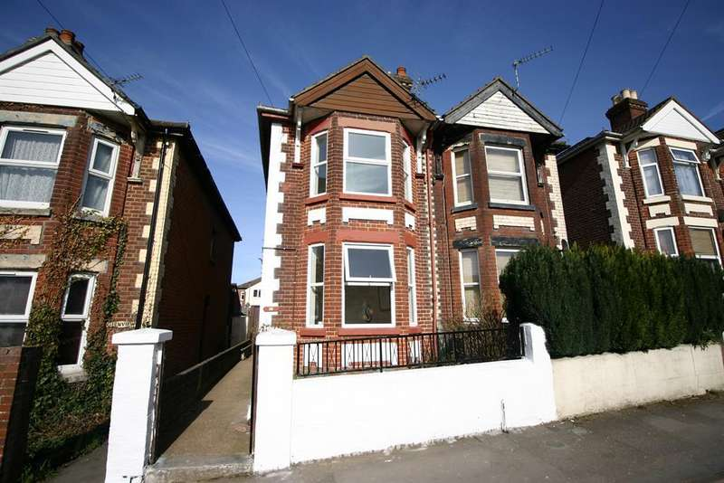 2 Bedrooms Terraced House for sale in Weston Grove Road, Woolston, Southampton, SO19 9EE