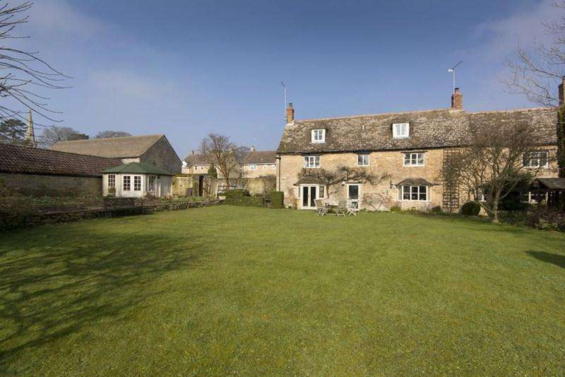 5 Bedrooms Village House for sale in Nassington, Near Stamford, PE8