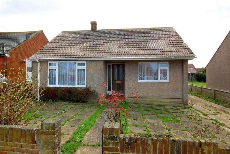2 Bedrooms Detached Bungalow for sale in Manor Road, Herne Bay