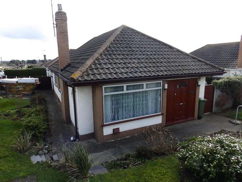 3 Bedrooms Detached Bungalow for sale in Diane Drive, Rhyl