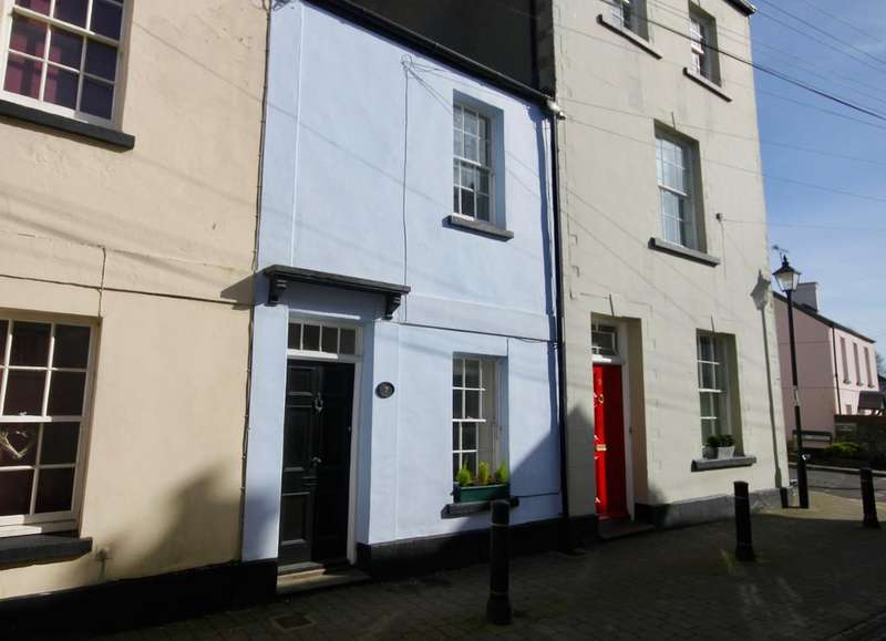 2 Bedrooms Terraced House for sale in Maryport Street, Usk