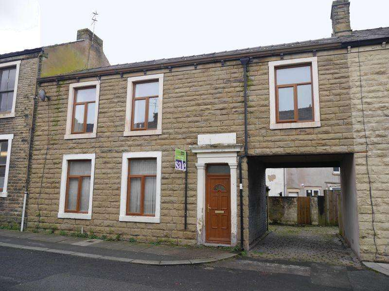 3 Bedrooms Terraced House for sale in Victor Street, Clayton Le Moors.
