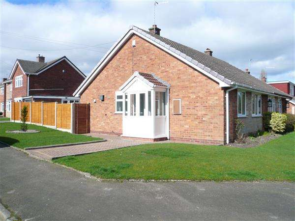 2 Bedrooms Bungalow for sale in Helming Drive, Danehurst Estate, Wolverhampton