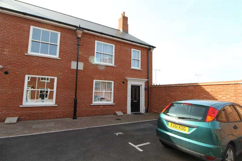 3 Bedrooms Semi Detached House for sale in Roman Circus Walk, Colchester
