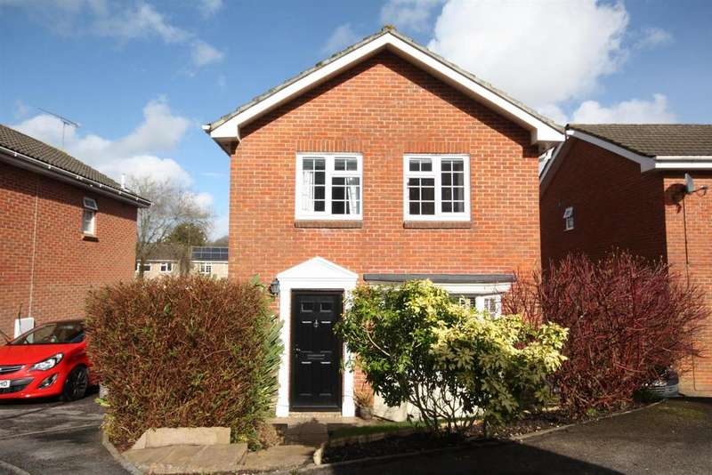 3 Bedrooms Detached House for sale in The Spinney, Bishopstoke, Eastleigh
