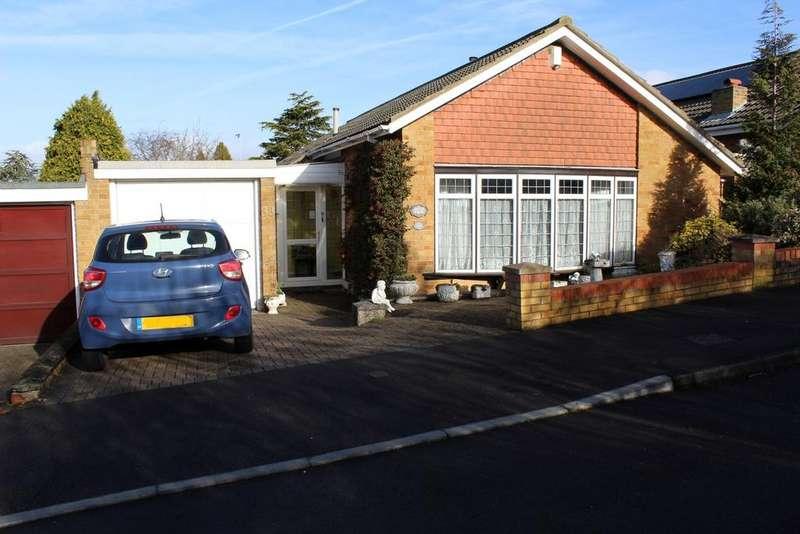 3 Bedrooms Detached Bungalow for sale in The Warren, Gravesend, Kent DA12