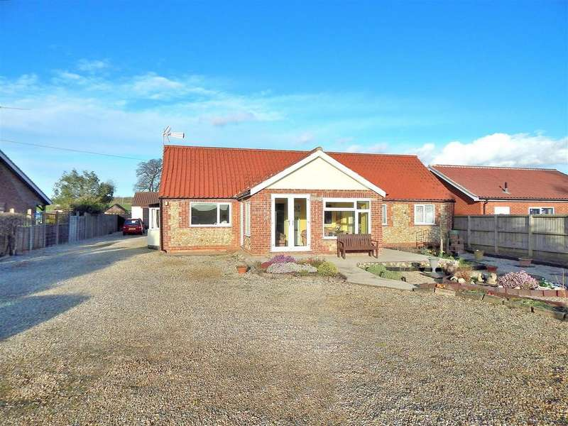 3 Bedrooms Detached Bungalow for sale in Fakenham Road, Stanhoe, King's Lynn