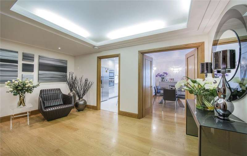 3 Bedrooms Flat for sale in Balmoral Court, Queens Terrace, St John's Wood, London, NW8