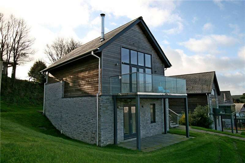 3 Bedrooms Detached House for sale in 30 The Bay, Talland Bay, Cornwall