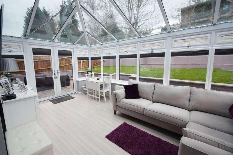 4 Bedrooms Detached House for sale in Glamis Close, Walderslade, Kent