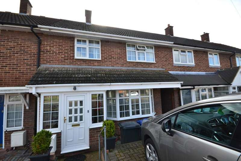 3 Bedrooms Terraced House for sale in Abbotts Drive, Stanford-le-Hope, SS17