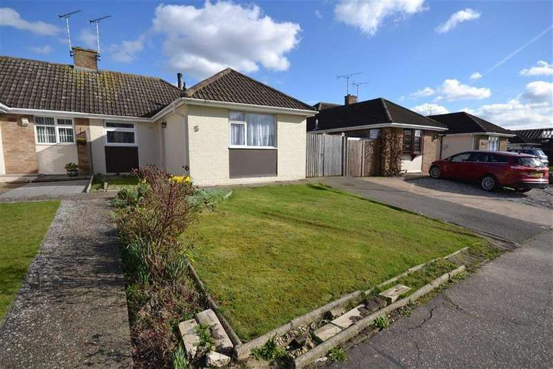 3 Bedrooms Bungalow for sale in Westway, South Woodham Ferrers, Essex