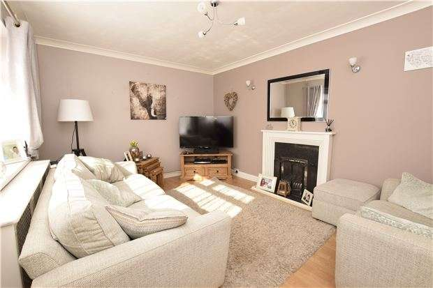3 Bedrooms Semi Detached House for sale in Mulberry Drive, Kingswood, BS15 4EA