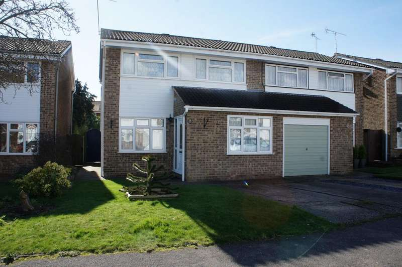 3 Bedrooms Semi Detached House for sale in Great Wakering SS3