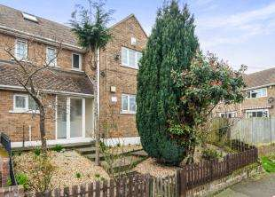 4 Bedrooms Semi Detached House for sale in Cavell Crescent, Dartford, Kent